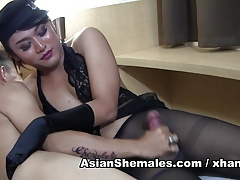 Malika from Indonesia gets a hand job shoots a load on her